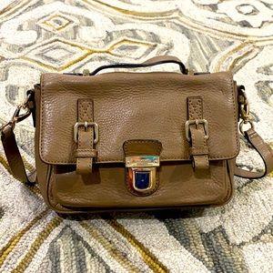 💕Kate spade taupe leather crossbody messenger bag